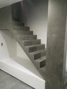 escalier en beton ciré