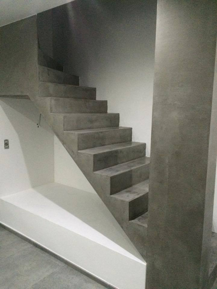 escalier en beton cheap on coule luescalier with escalier. Black Bedroom Furniture Sets. Home Design Ideas
