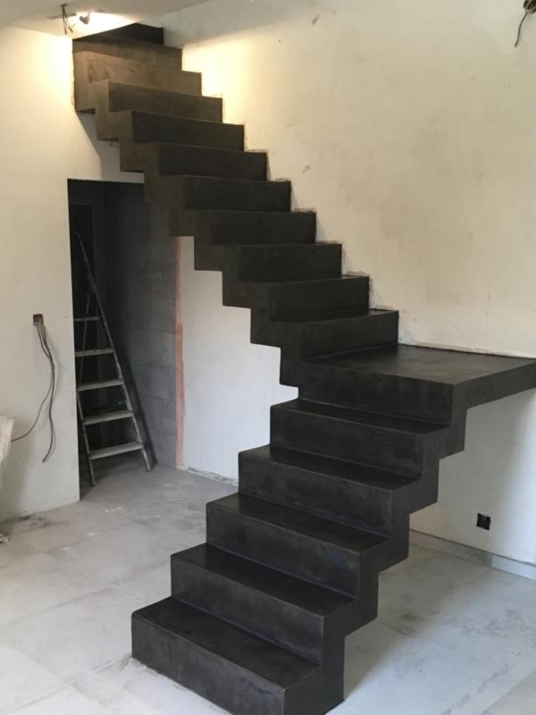 Escalier cremaillère Beton ciré